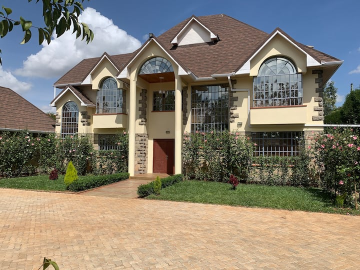 BELLAS ExECUTIVE GUEST WING in KAREN, NAIROBI