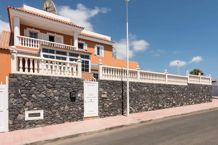 Villa Naranja Tenerife Villen Zur Miete In Callao Salvaje Kanarische Inseln Spanien