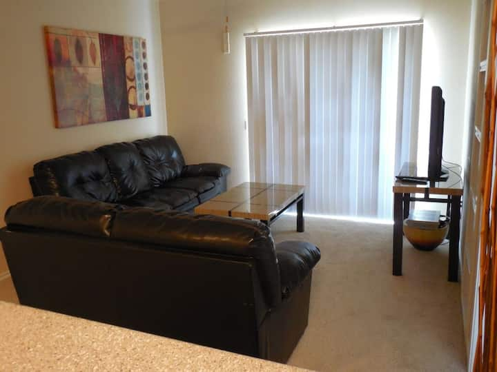 1Bd, 1Ba - Great Airport Location