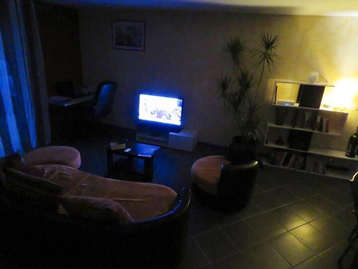 Chambre dispo dans maison à Nérac