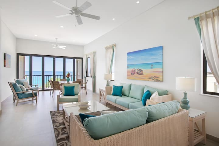 Three Bedroom Luxury Suite at Beach View Hotel