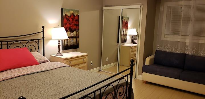 2 BDRM Private Suite - FREE Parking•WiFi•AmazonTV