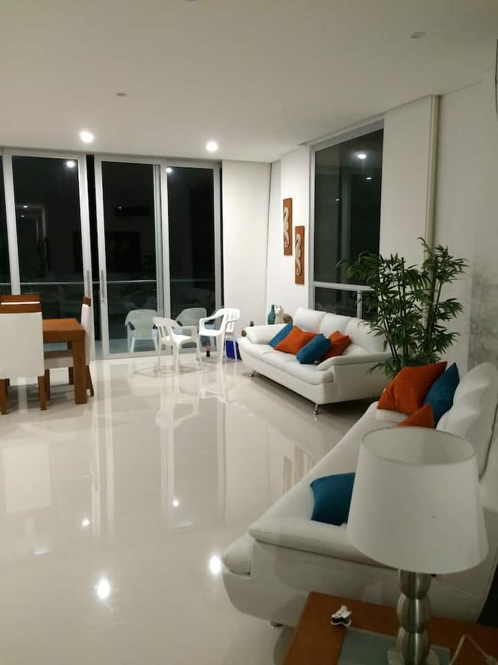 Apartamento frente al Mar con 3 Hab - Coveñas