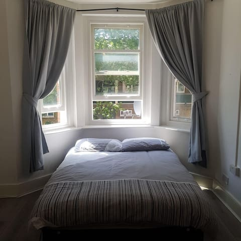 Double room in Camden Town