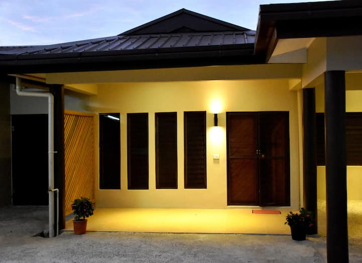 Two Bedroom Family Room- Westfield Homestay