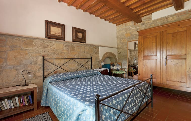 Room Ginestra - Farmhouse -Florence