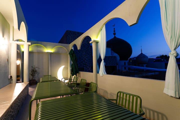 【闺】近钟鼓楼、回民街、地铁口 洋楼+天窗+露台可观清真寺 摩洛哥/丝绸之路 烟穹1居