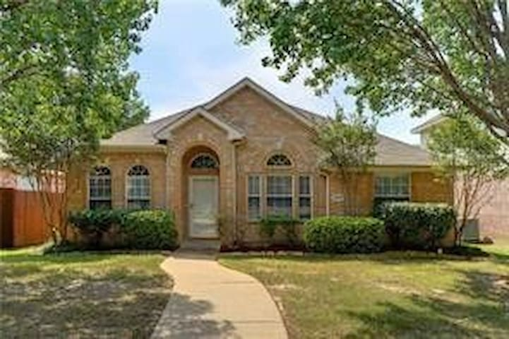 Absolutely delightful Rockwall Home..!!