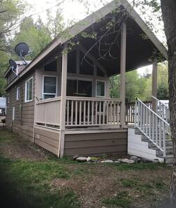 Cabin #8 Carson River Resort