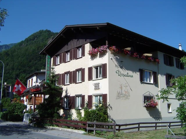 Room in a Cozy Guest House! - Bad Ragaz - Oda + Kahvaltı