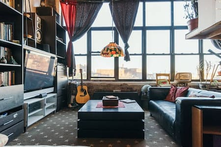Loft with Manhattan skyline view(2)
