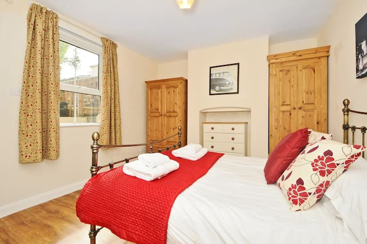 St Clements One bed apartment OXSHSC Serviced Let - Oxford - Daire