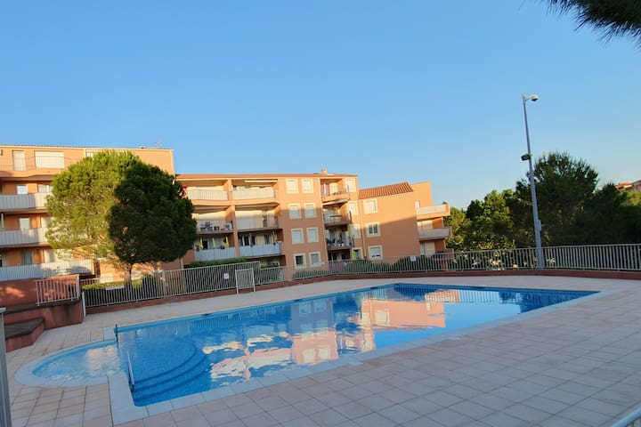 Appartement T2 renové dans résidence avec piscine