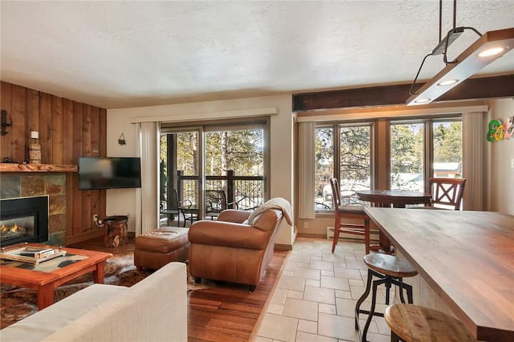 DELUXE 1 Bed/1 Ba-Inner Circle condo-POOL/HOT TUBS