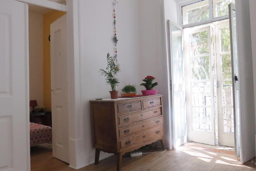 Living room ll