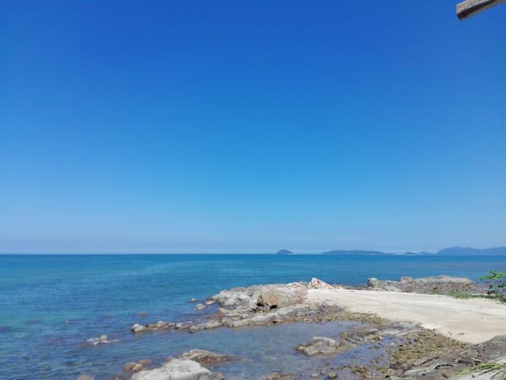 海洋房海景~爱上海蓝蓝屋/Ocean Room~Blue Ocean Station Seaview