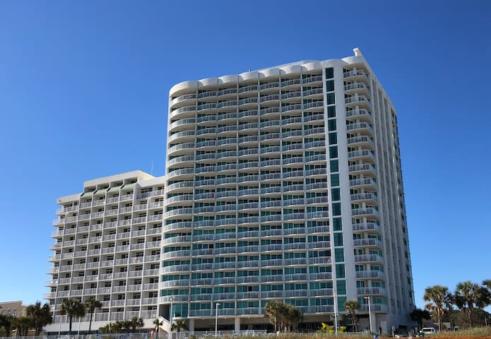 Great 1 bdrm oceanfront condo, Sandy Beach Resort