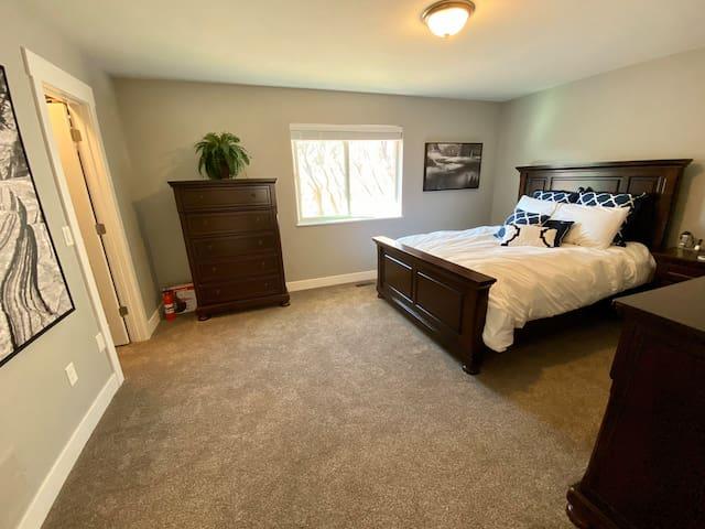 Master Bedroom near hospital