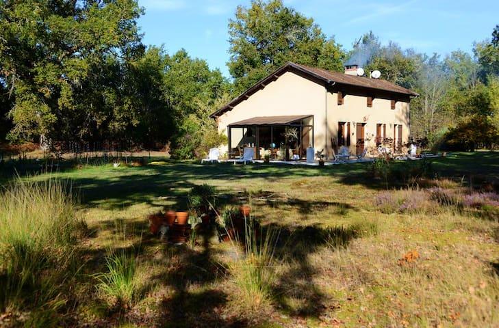 Grande casa con terrazza & Wifi