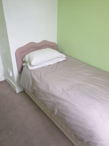 *Single room near St Marine college
