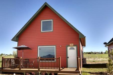 Hozhoni House - Luxurious cabin, peaceful setting
