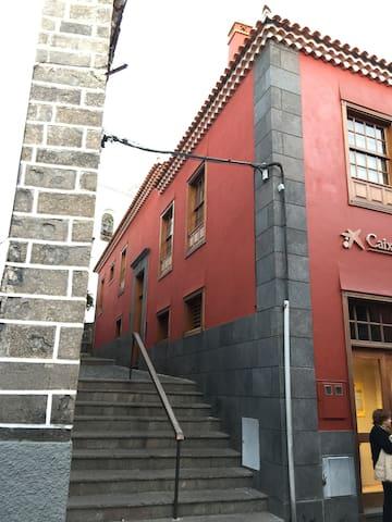 CASA LA BOUGANVILLA. Calle Venus, Nº1. - Garachico - Hus