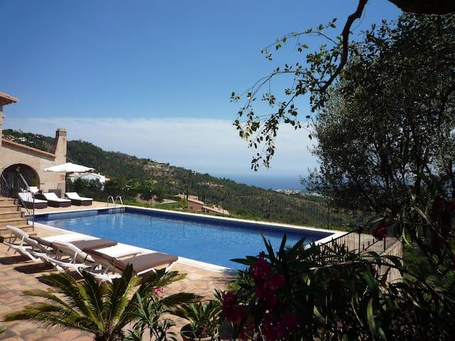 Villa en Platja d'Aro, residencial Mas Nou - Castell-Platja d'Aro - Ev