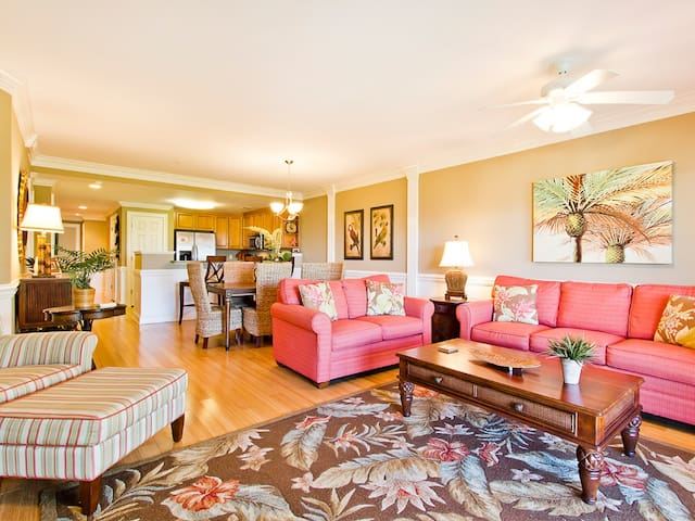 South End of Tybee Condo with 2 Community Pools, Elevator - Only Steps to Main Beach  Pier - Brass Rail 316
