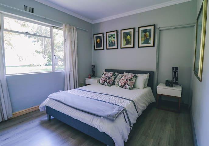 Third Bedroom, built-in cupboards