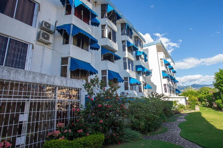 Comfortable & Secure Apartment in New Kingston