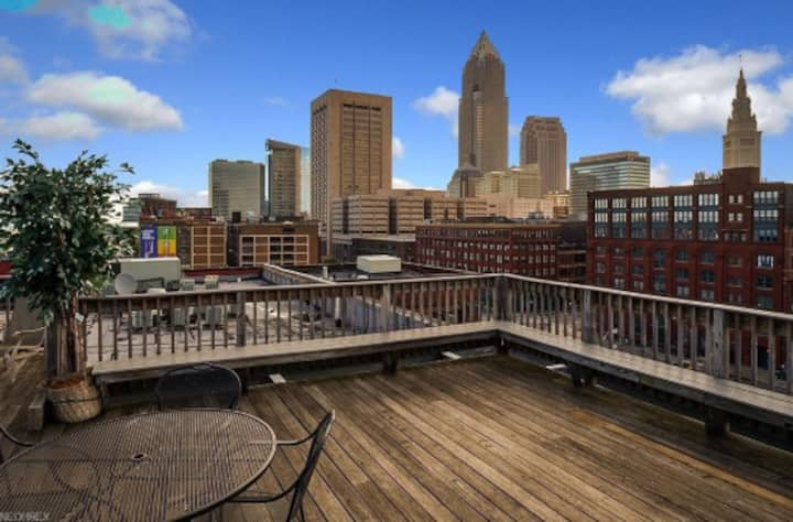 Downtown Loft in Prime Location1