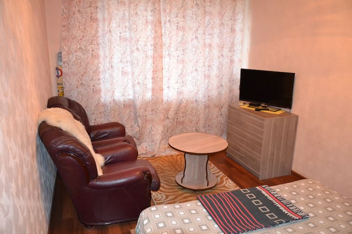 Строителей, 13 ( Центр) 1- комнатная. freeWiFi - Nizhniy Tagil - Leilighet