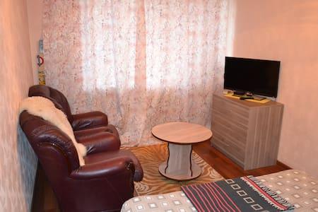 Строителей, 13 ( Центр) 1- комнатная. freeWiFi - Nizhniy Tagil