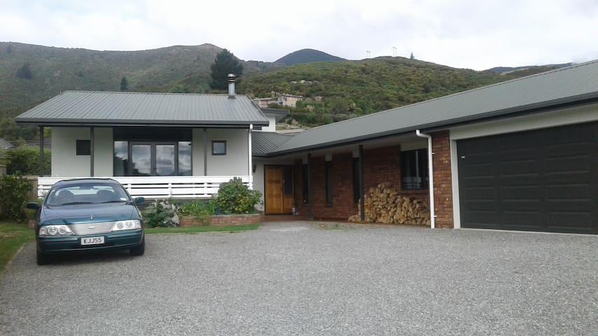 Boons Valley Home Stay - Waikawa, Picton - Maison