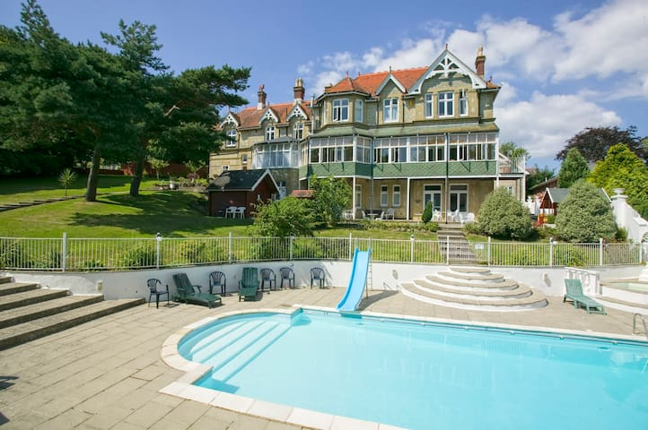 Stylish 2 bedroom apartment with pool and sauna - Shanklin - Apartemen