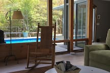 fCommon space overlooking pool and deck