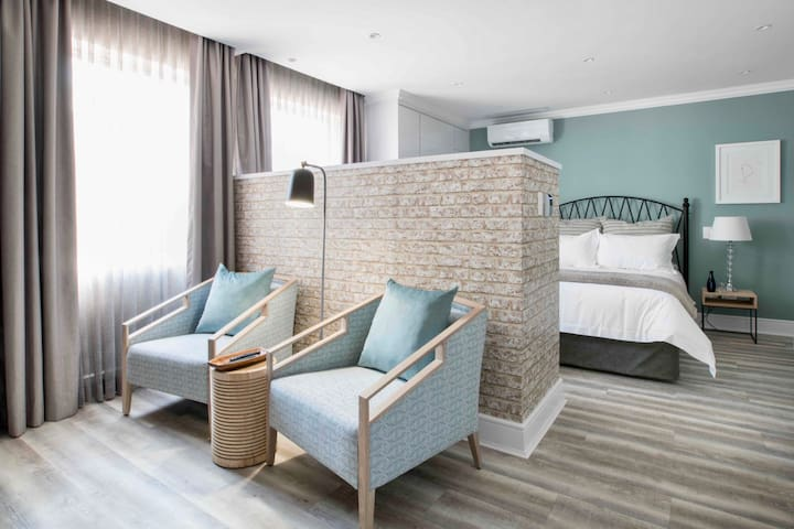 Luxury Serviced Apartment. No Sandton loadshedding