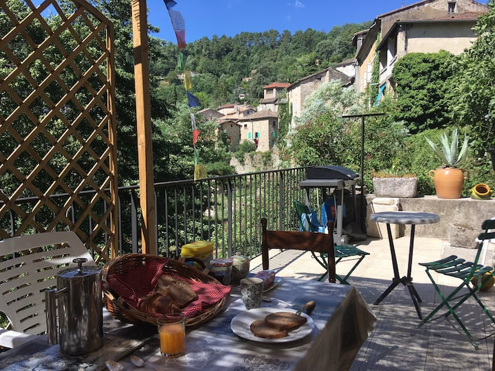 La Mascotte en Ardèche Chambre Double  SdB privée