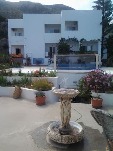 Spacious Two Bedroom Suite With Sea View Terrace