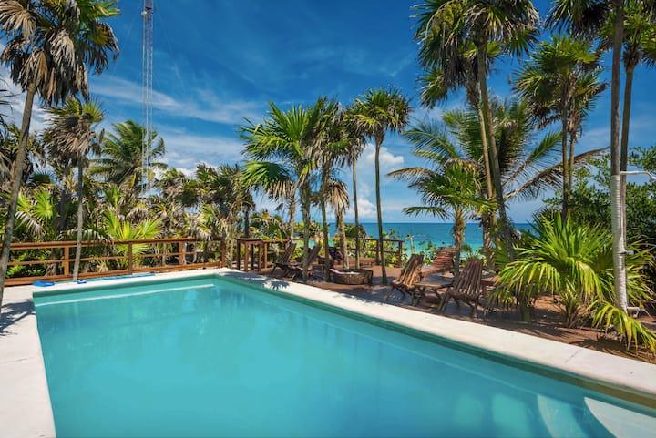Casa Godi - Beachfront Heaven Tulum