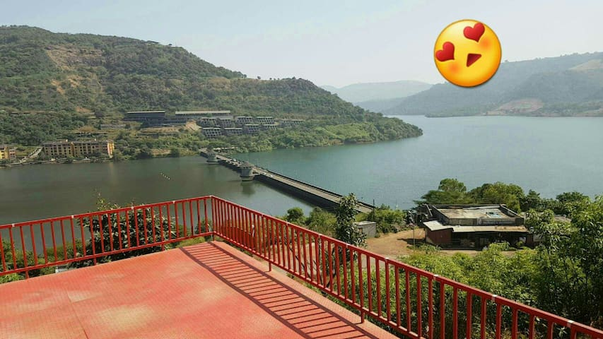 Spacious,Furnished Lake View Villa in Lavasa - Lavasa - Casa de campo
