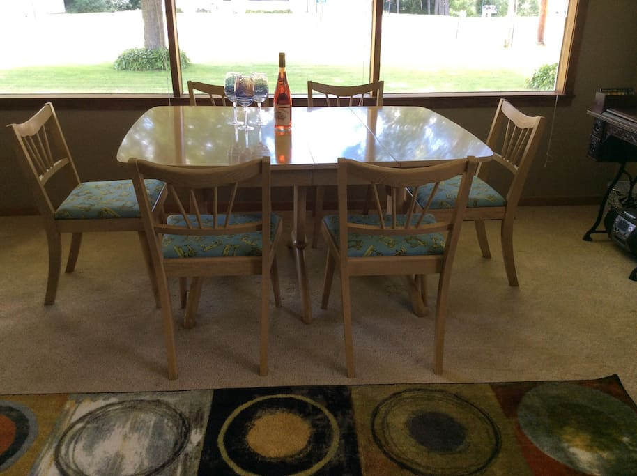 Dining area in Lounge (Great Room)