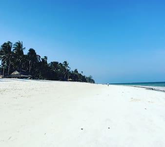 Villa del Sol - Diani Beach - Hus