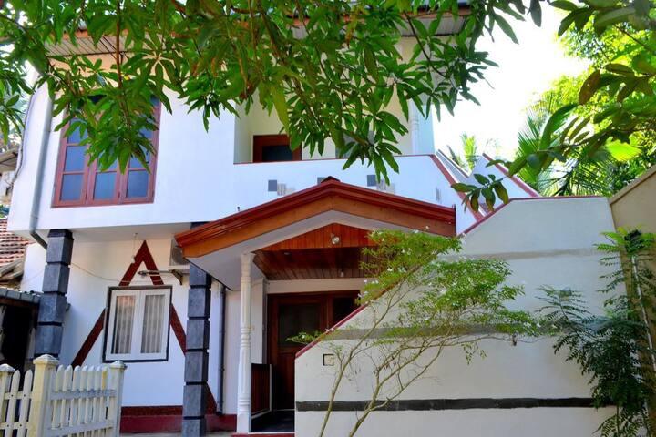 Siri Niwasa Apartment