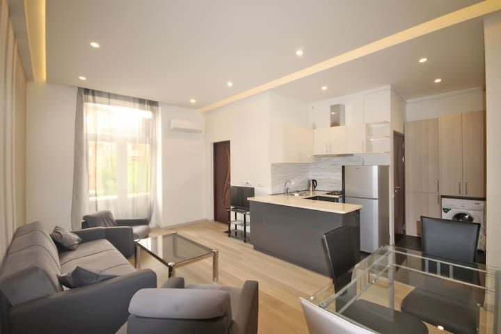 Luxury apartment at Abovyan str. - Jerevan - Huoneisto