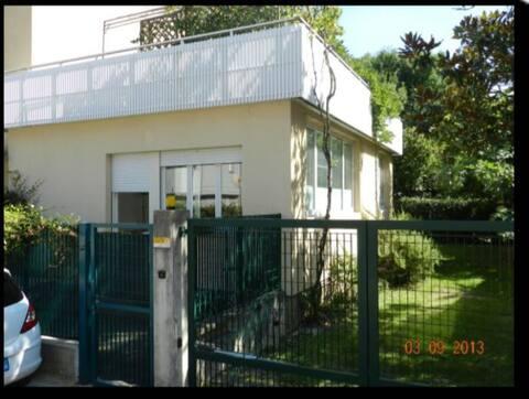 Camera matrimoniale 1 - 2 -3 persone Udine