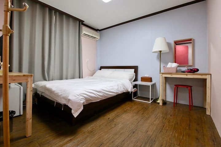 Safe and clean 'LALLA GUEST HOUSE' DOUBLE ROOM 1