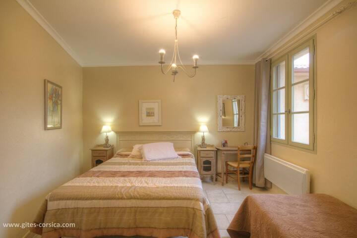 Chambres d'hôtes a Casella, chambre u tigliolu