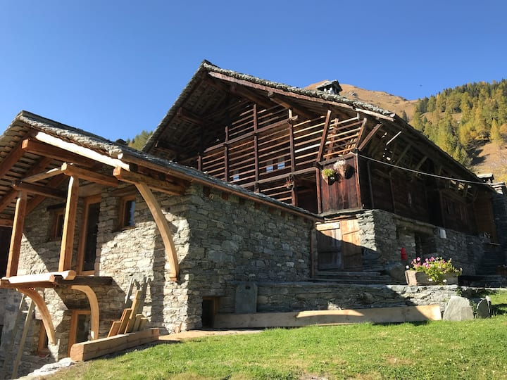Baita Walser Firhus, Val d'Otro, Alagna Valsesia
