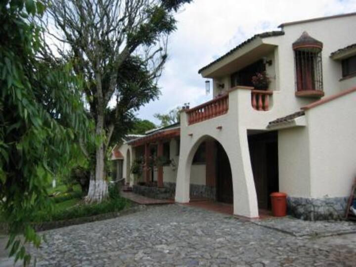 Habitaciones Hermosa Casa Campestre